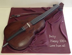 Birthday cake in the shape of a cello