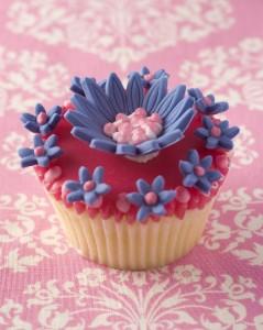 modern wedding cupcake