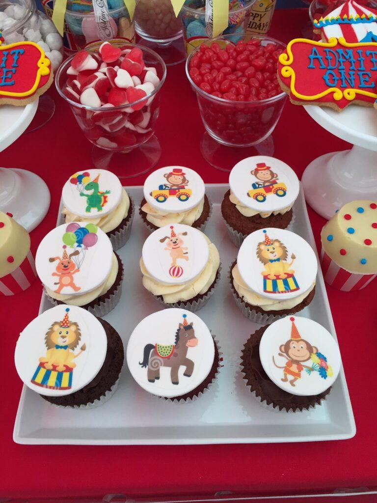 Simple circus cupcakes