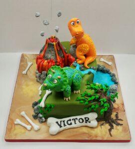 dinasor-cake-
