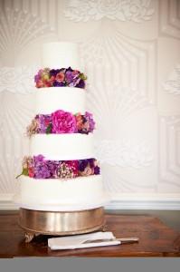 Fresh flower wedding cake
