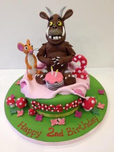 Girly Gruffalo birthday cake picnic scene