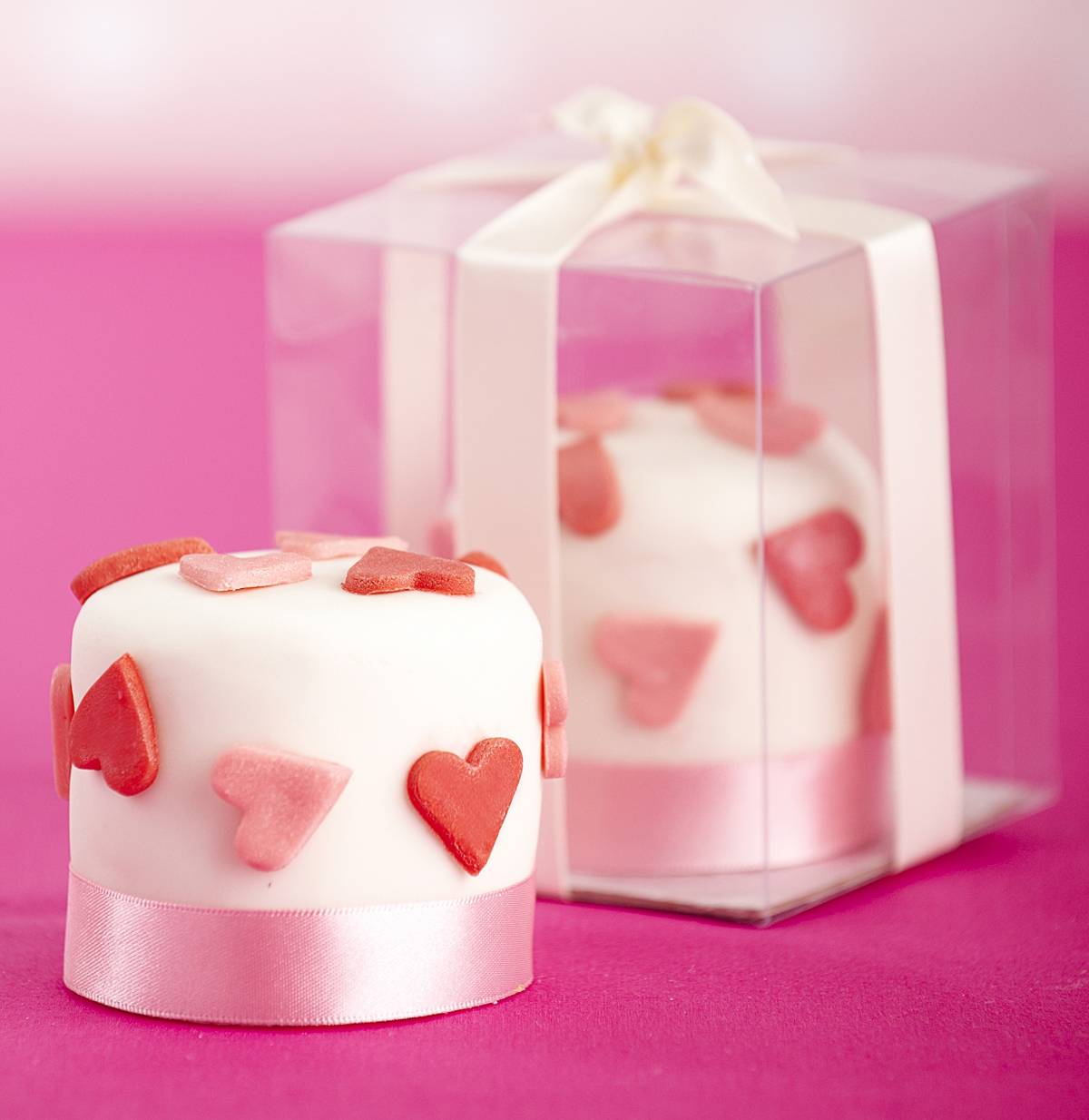 Mini Love Heart Cakes Cakes By Robin