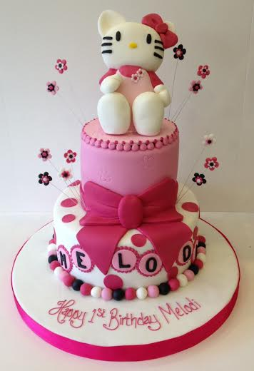Hello Kitty 2 tier Cakes by Robin