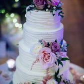 Wedding Cake – Real Flowers