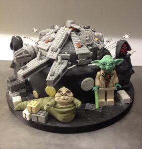 Lego Star Wars Millenium Falcon cake