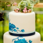 Maria de Faci white and blue wedding cake up close