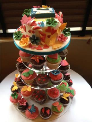 Novelty wedding cakes - cupcake tower blog image