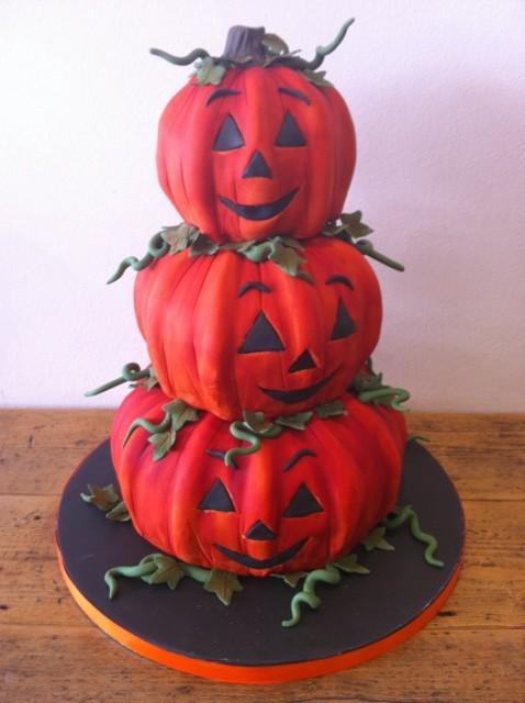 tiered pumpkin cake