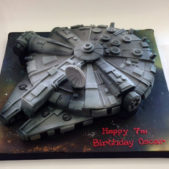 Star Wars themed birthday cake – Millenium Falcon