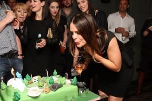 Pleasant Celebrity Birthday Cake For Susie Amy Funny Birthday Cards Online Sheoxdamsfinfo