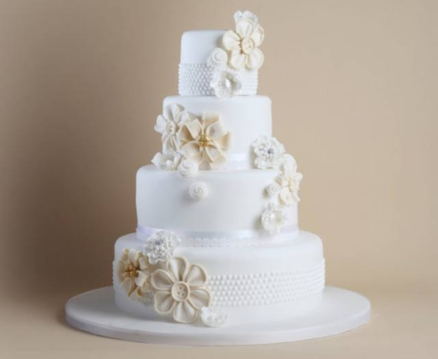 Traditional wedding cakes - blog image