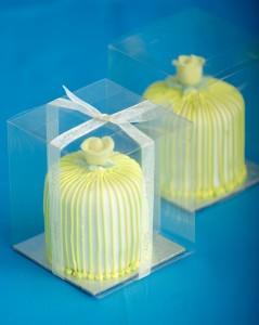 Baby miniature cakes