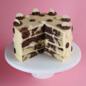 chocolate-button-patisserie-cake-cut-730×800