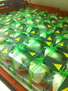 corporate christmas cakes
