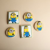 despicable-me-minion-cookies