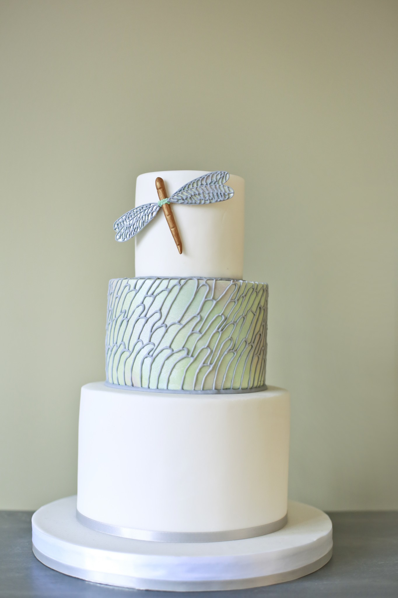 Modern Wedding Cake Cakes By Robin