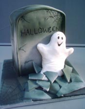 Ghostly tomb halloween cake