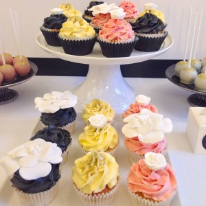 Chanel coloured cupcakes