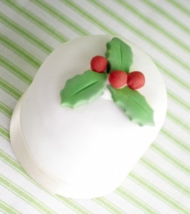 Holly & Ivy mini christmas cakes