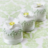 miniature_white_green_3