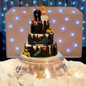 new-york-novelty-wedding-cake-2