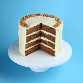 patisserie-carrot-cake-cut