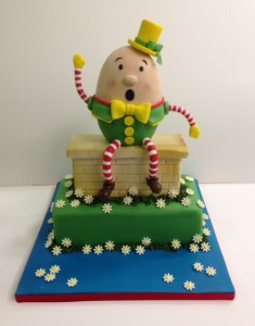 Humpty dumpty birthday cake