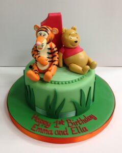 Winne the Pooh and Tigger birthday cake