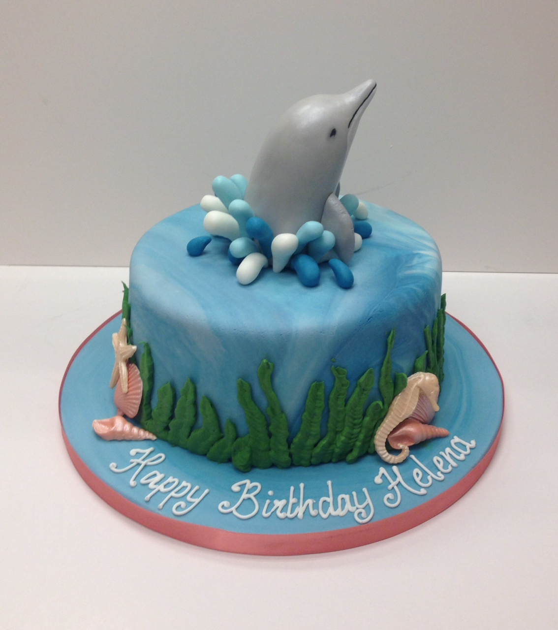 Girly Dolphin Cake Has A Bird Landed On My Cake No Its Very
