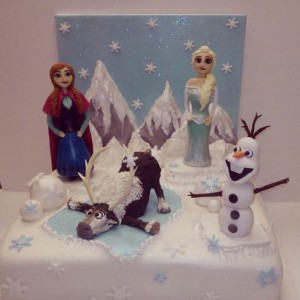 Frozen characters sugar models birthday cake