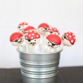pirate-cakepops