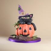 pumpkin-witch-cake