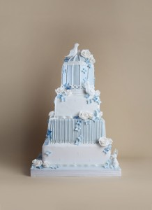 Timeless collection wedding cake white and blue